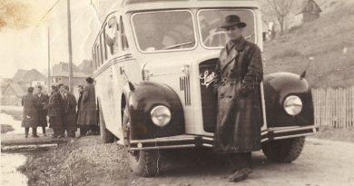 Стари циркус и први аутобус